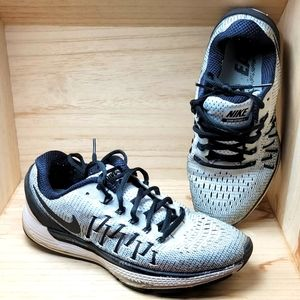 Nike Womens Air Zoom Odyssey 2 Running Shoes